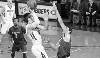Senior Jordan Bolger takes a shot against St. Thomas. Photo courtesy of Concordia Sports Information Office.