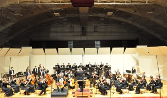 The Concordia Orchestra plays in Memorial Auditorium. Photo by Bailey Hovland.
